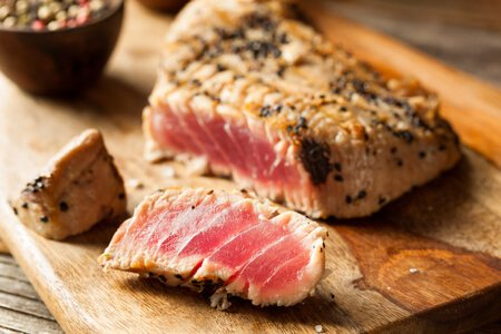 yellowfin tuna vitamin b3